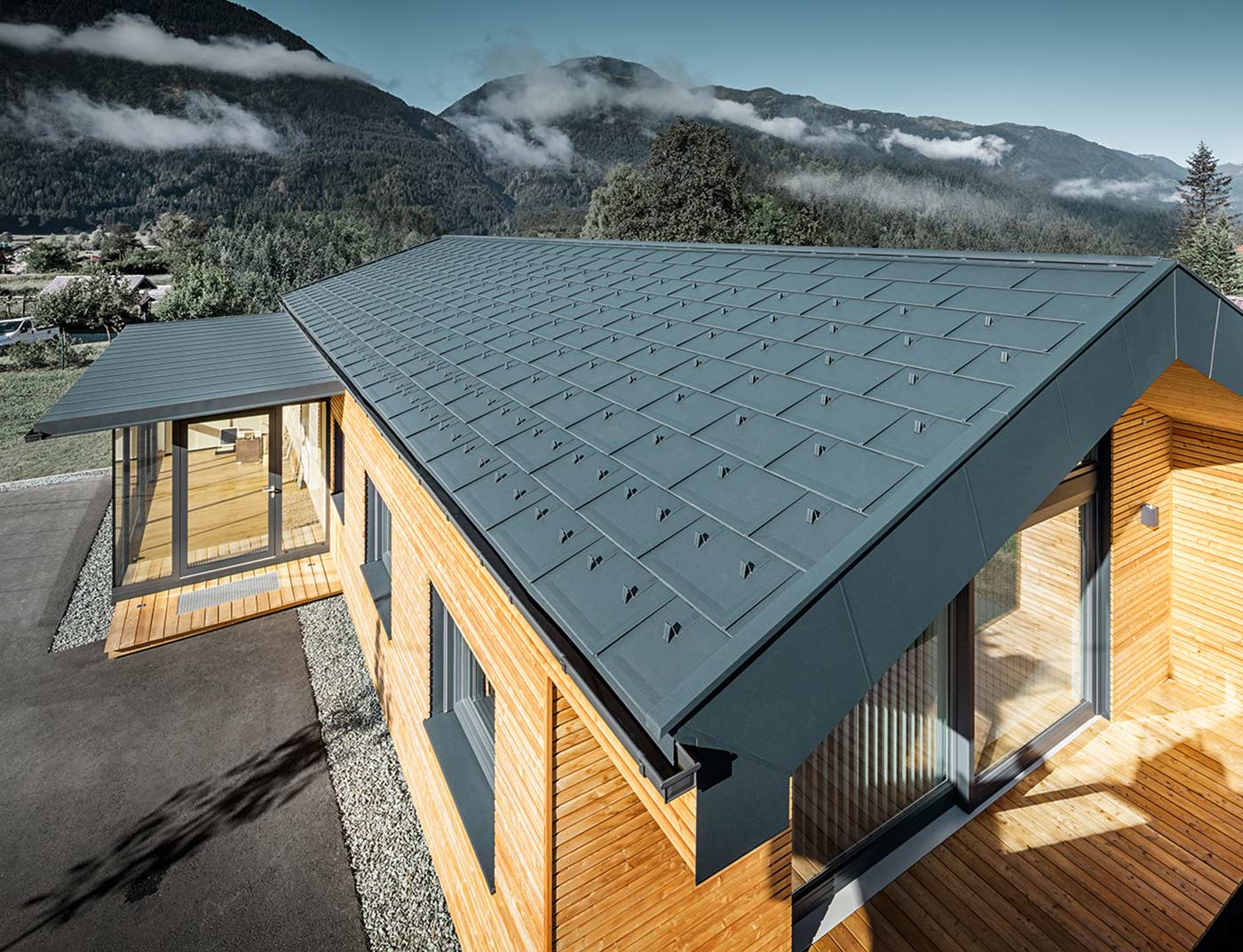 Reference buildings PREFA Roof systems R.16 roof tile 02 anthracite (similar to RAL 7016)