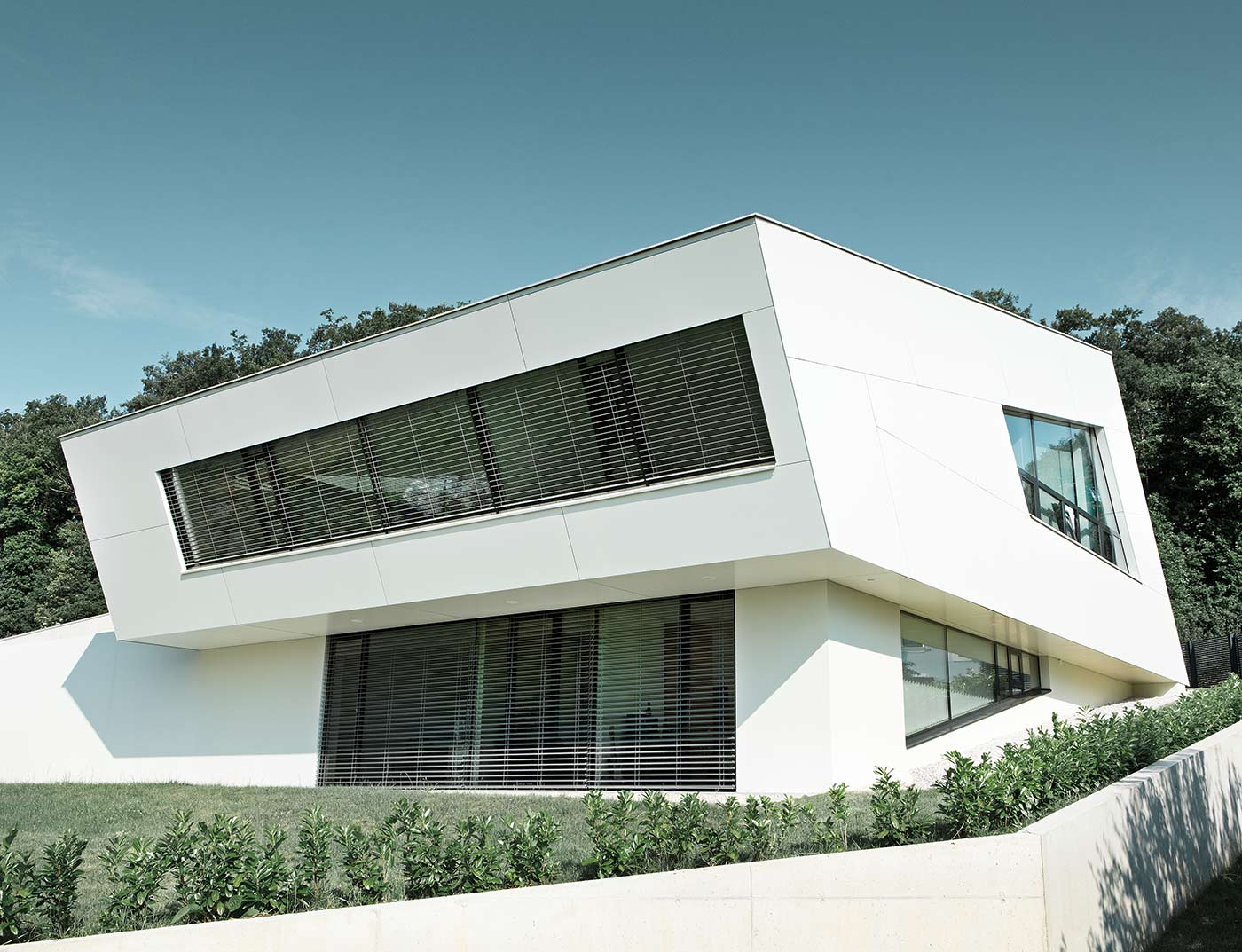 Reference buildings PREFA Façade systems Aluminium composite panel 17 pure white