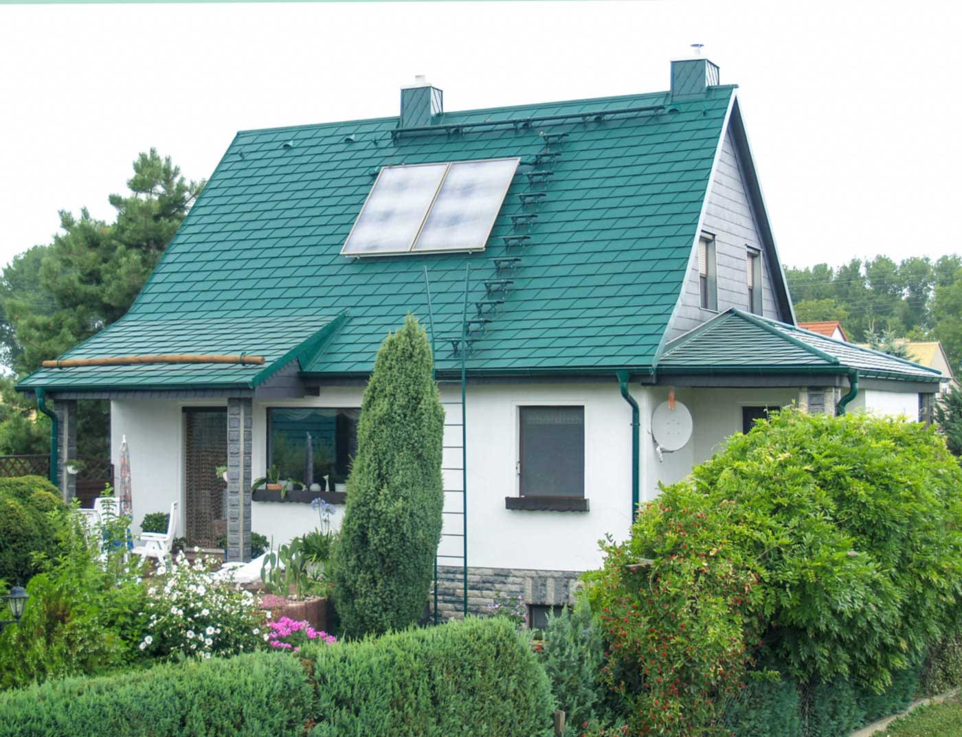 Reference buildings PREFA Roof systems Shingle 06 moss green (similar to RAL 6005)