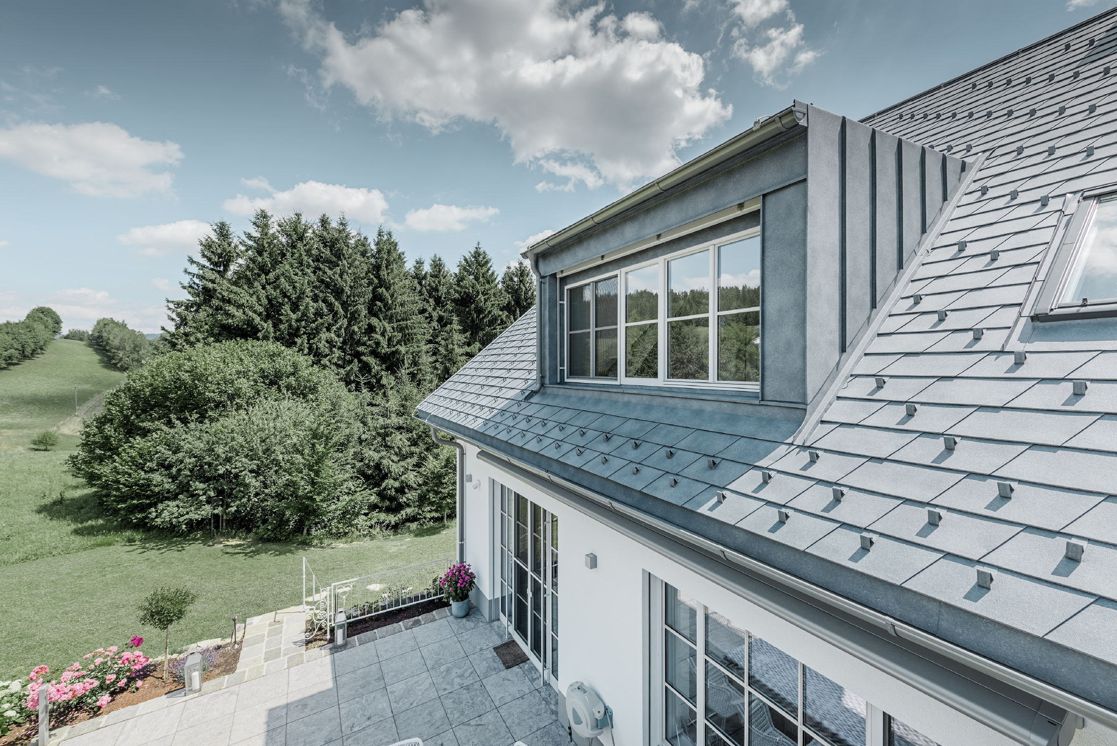 Reference buildings PREFA Roof systems Shingle 43 stone grey (own colour)