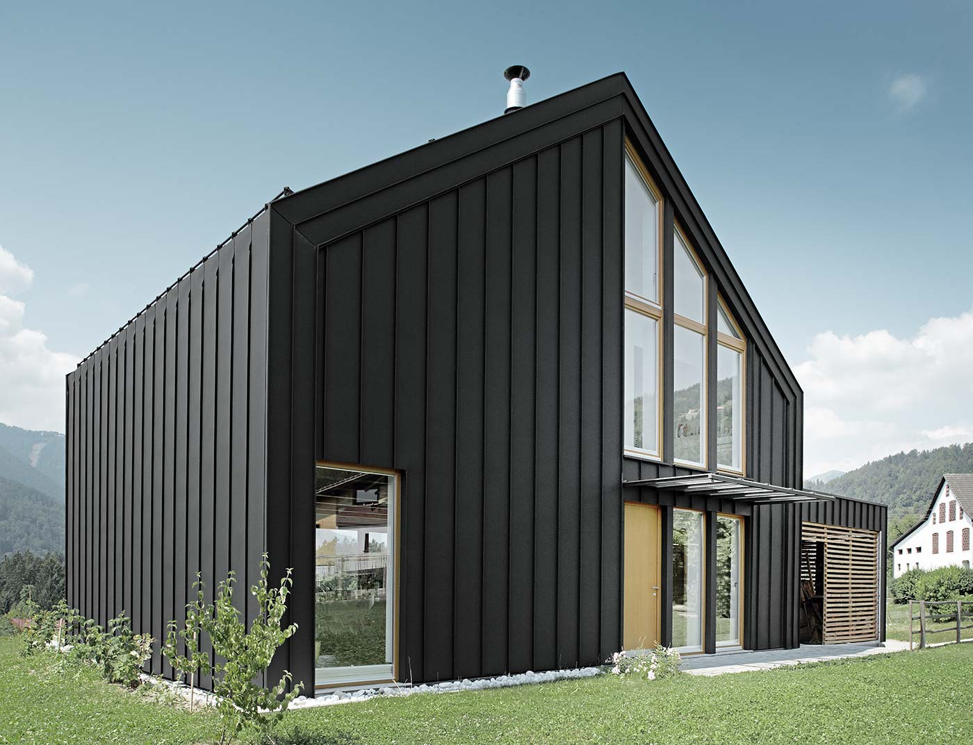 Reference buildings PREFA Façade systems Prefalz® 03 P.10 black