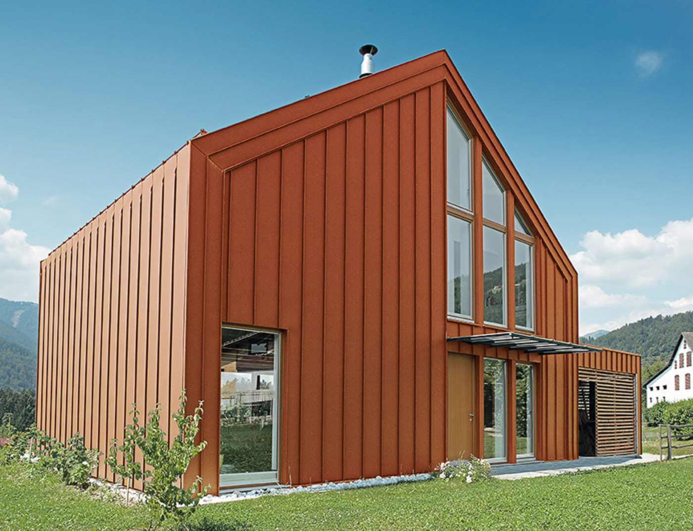 Reference buildings PREFA Roof systems Roof system Prefalz® 04 P.10 brick red