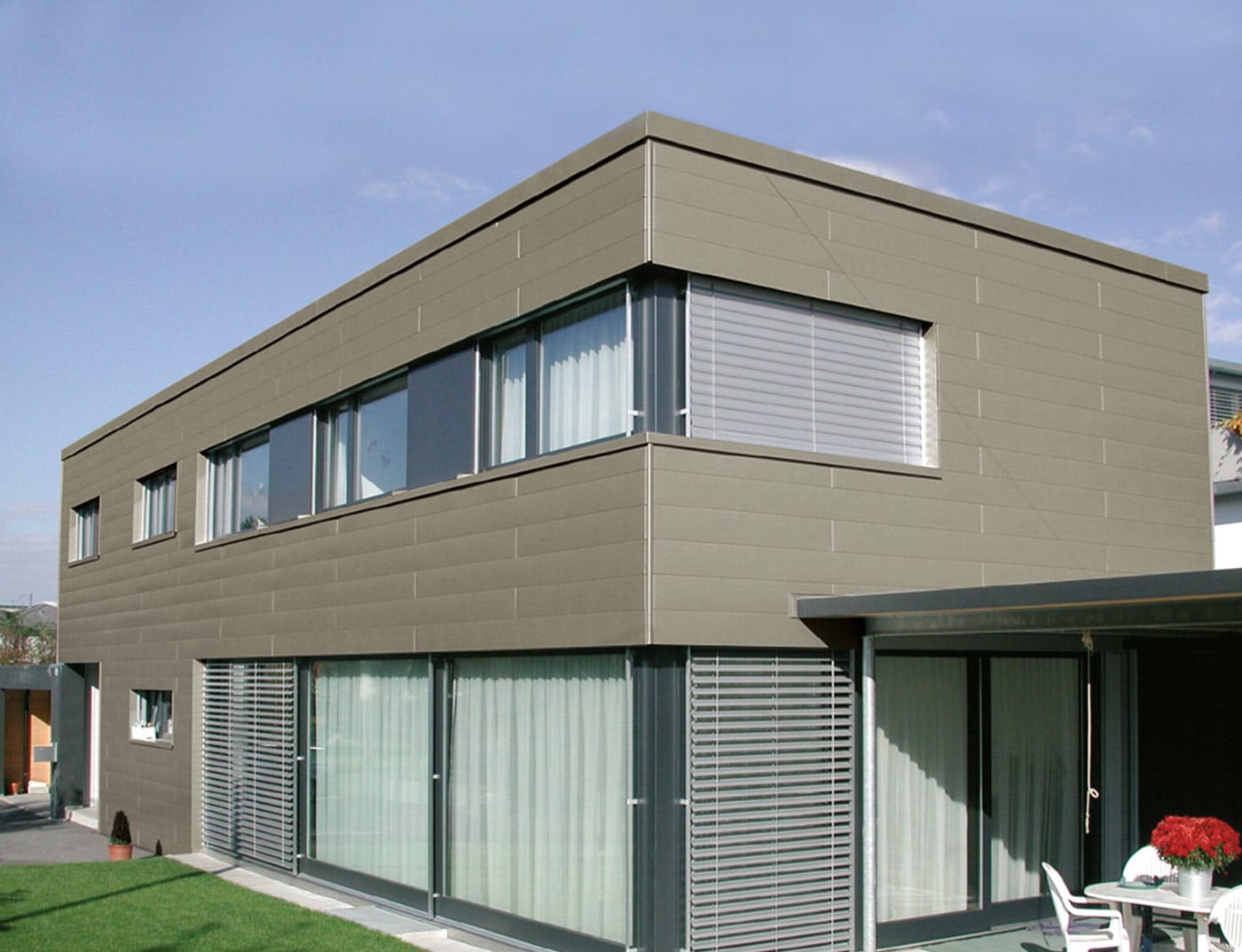 Reference buildings PREFA Façade systems Siding 45 bronze (own colour)