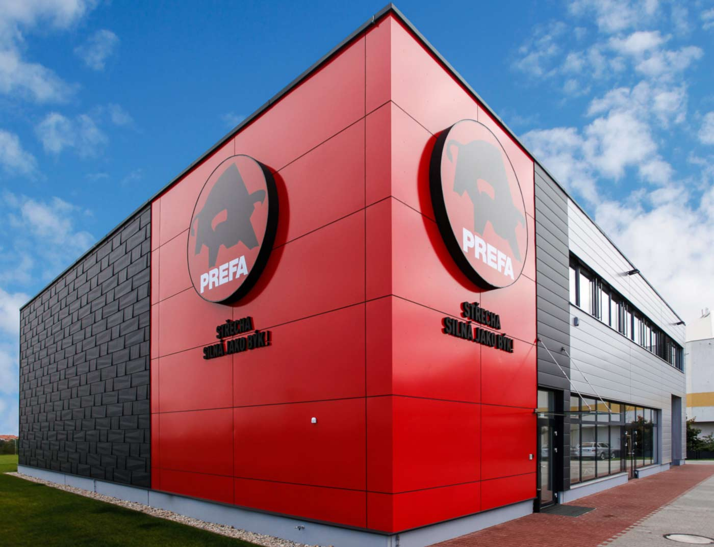Reference buildings PREFA Façade systems Aluminium composite panel 21 ruby red (similar to RAL 3003)