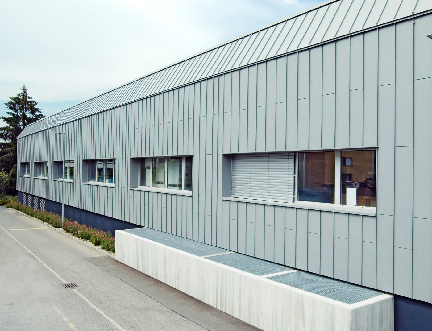 Reference buildings PREFA Façade systems Façade system Prefalz® 47 patina grey